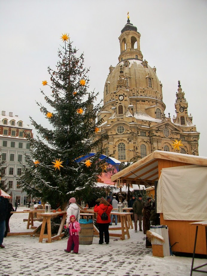 weihnachten in dresden striezelmarkt und semperoper. Black Bedroom Furniture Sets. Home Design Ideas